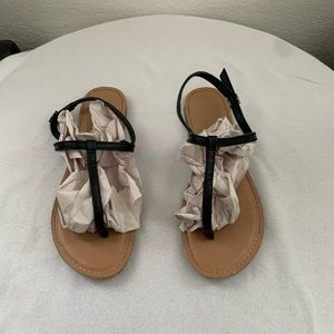 American Eagle Ankle Strap Thong Flat Sandals Sz 8